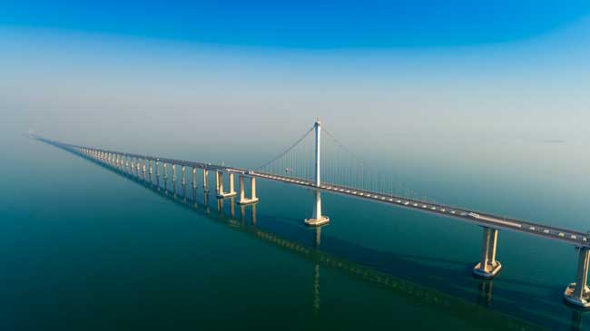 The Jiaozhou Bay Bridge is the world's longest sea bridges.